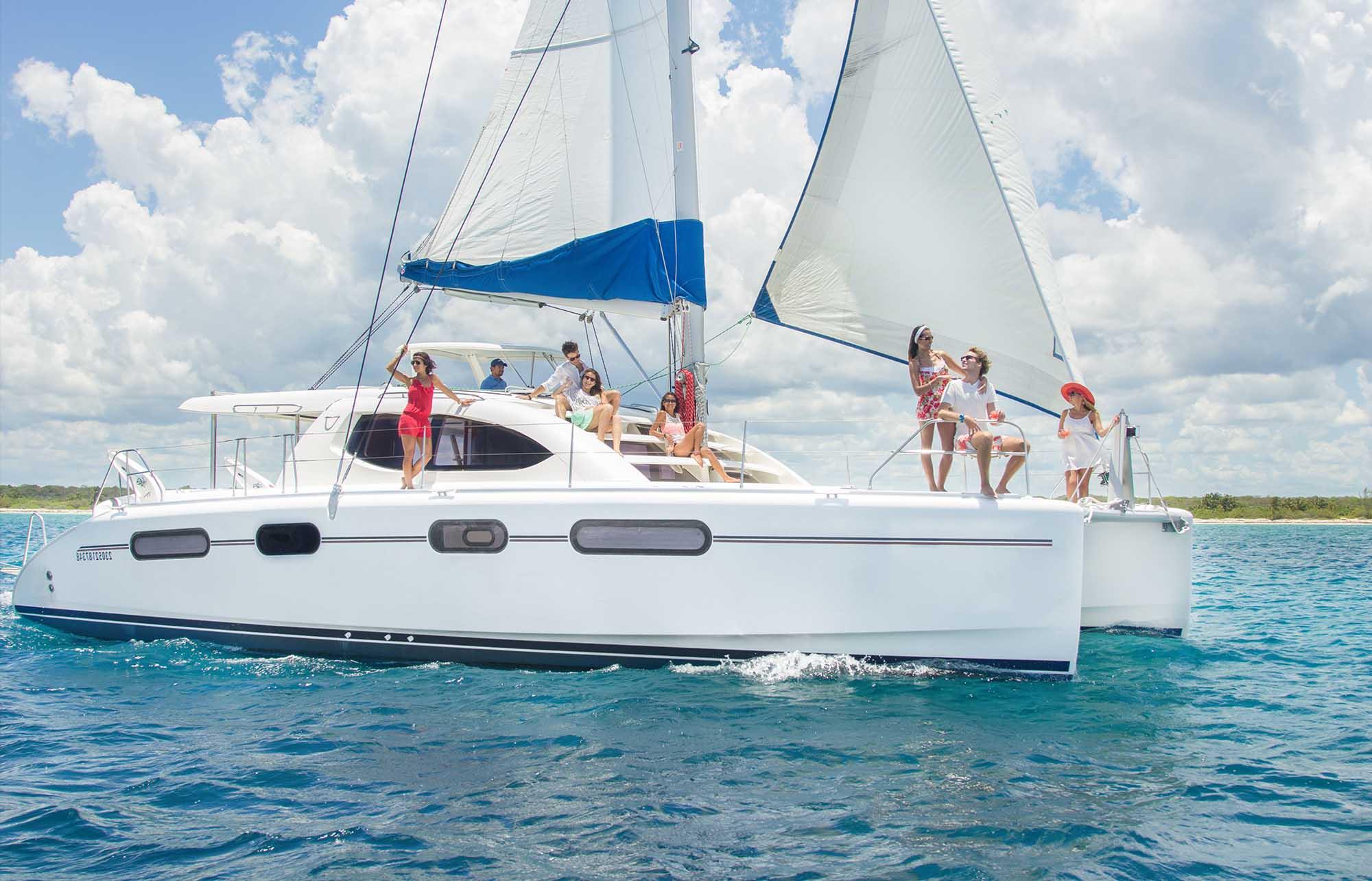 Excursion à Isla Mujeres en catamaran