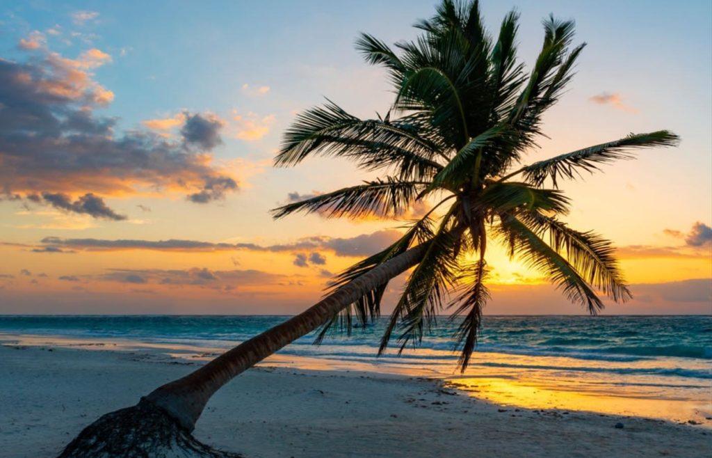 lever de soleil plage tulum